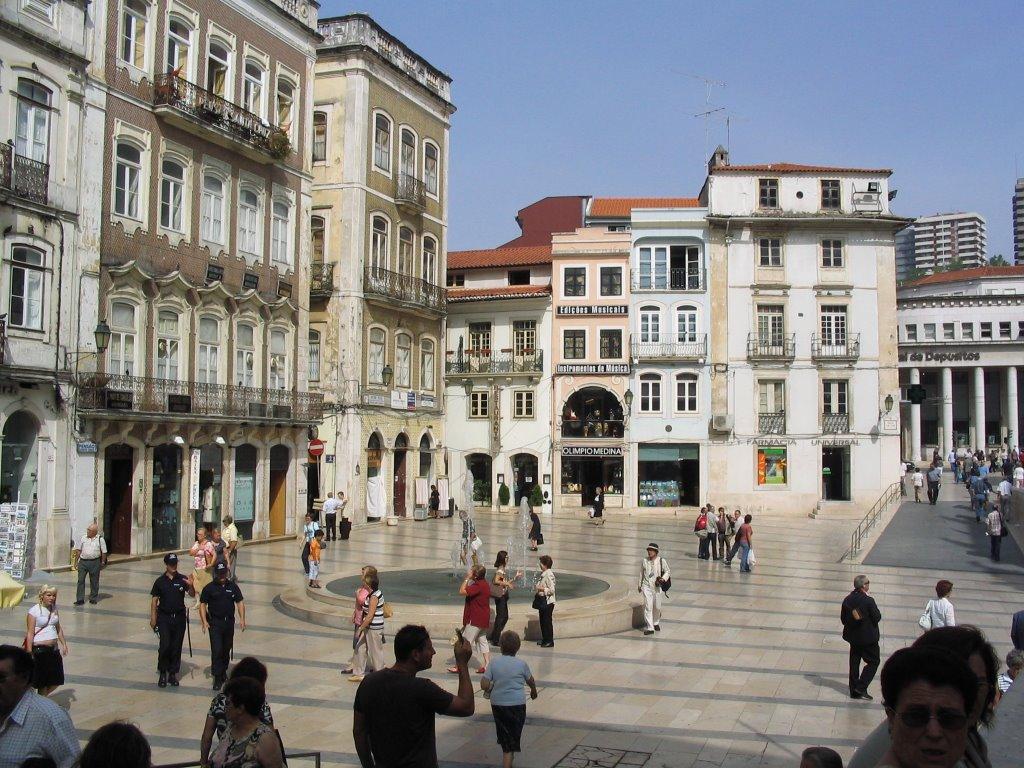 Praça 8 Maio Coimbra 4